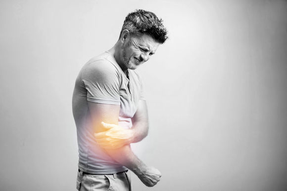 Soigner naturellement la tendinite du coude avec l'ostéopathie