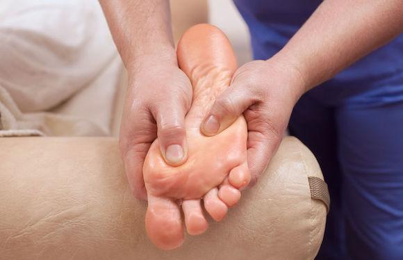 Prévenir et traiter le syndrome de Morton naturellement
